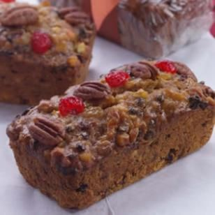 A holiday season just isn't complete without the prolific fruitcake. Try this low sodium version. #fruitcake #recipe