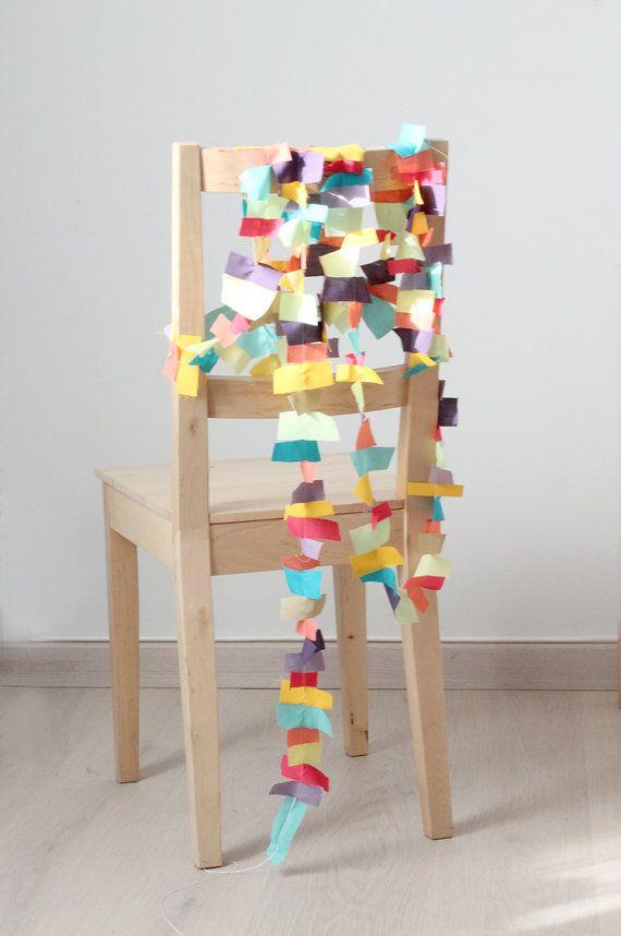 Paper Garland in loving colors.