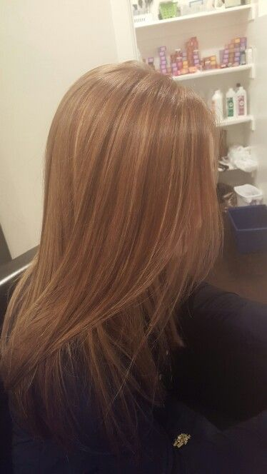 Jennifer Aniston hair color. Golden highlights. Babylights. Golden brown. Olaplex. Healthy hair. Warm brown