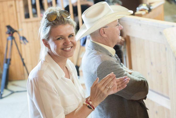 Corinna Schumacher lächelt wieder.