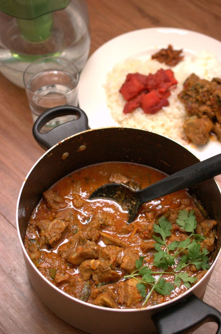 Easy, spicy Kerala mutton curry that can be prepared in no time. It goes well with porotta, any sort of rice variants ( ghee rice, pulao, normal rice) and any Indian bread.
