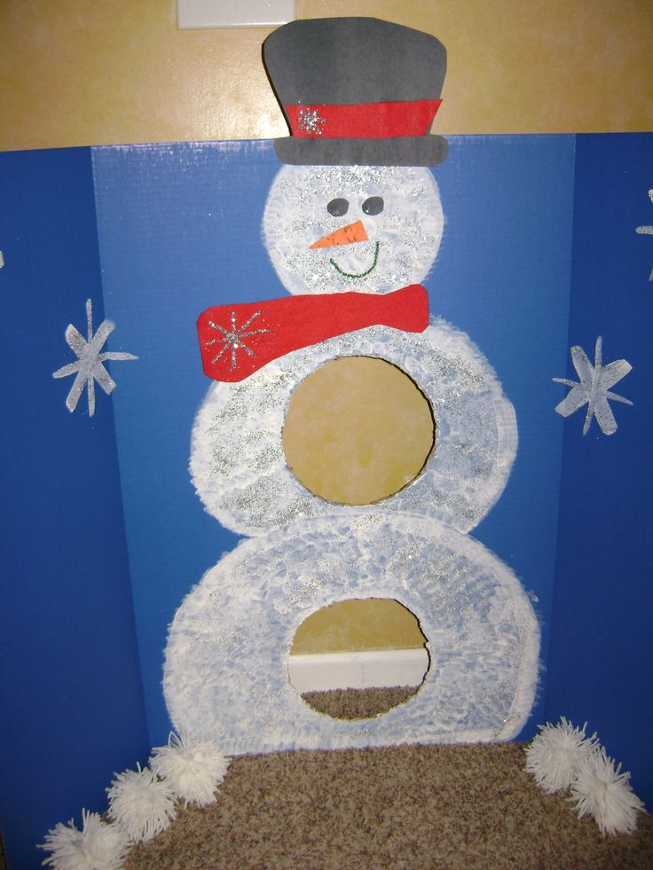 Snowman Game - I'll use this to shoot white pom poms/marshmallows through for snowball fight.