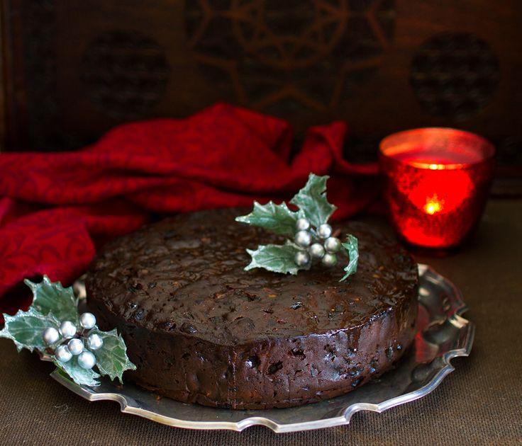 The Kiwi Cook | Rich Hazelnut Christmas Cake | http://thekiwicook.com