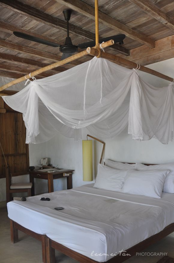 The 25 best tropical bedrooms ideas on pinterest for Tropical canopy bed