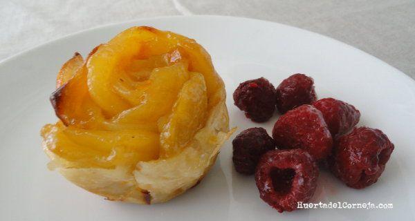 flor de hojaldre con manzana