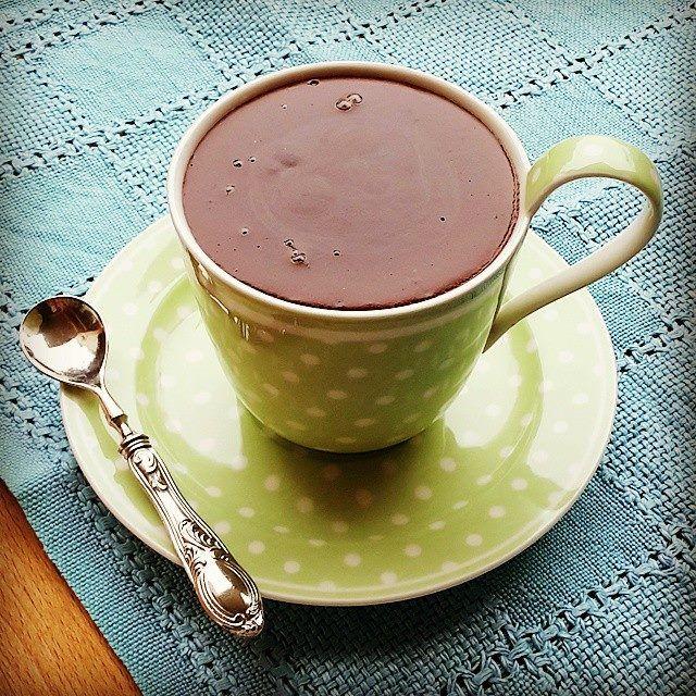 Una cioccolata calda al sapore d'arancia, davvero una delizia per il palato e facilissima da preparare!