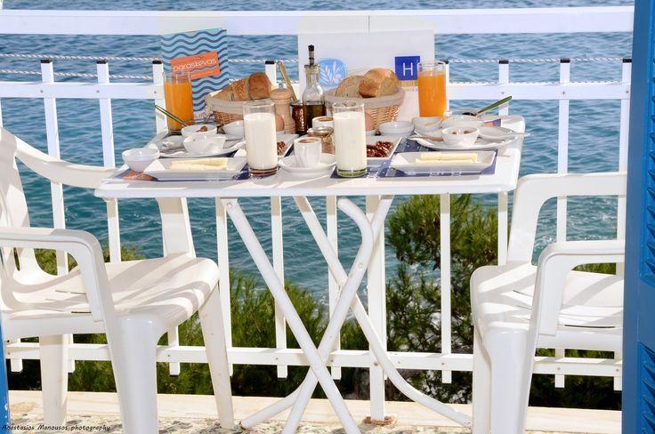 Δοκιμάστε το καταπληκτικό και υγιεινό πρωινό του παραθαλασσιου ξενοδοχειου μας με μαγευτική θέα. Περιοχή: Τυρος, Πελοποννησος