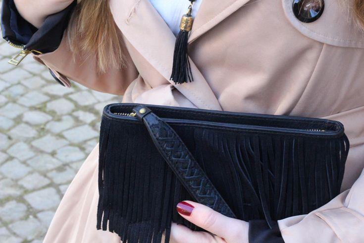 -Twininas Necklace- 6 Streetstyle Trenchcoat Paris Fashion Blog Fransentasche