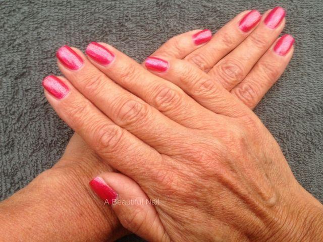 Manicure, gelakte nagels rood #Nagellak #Nagels #Nails #Manicure