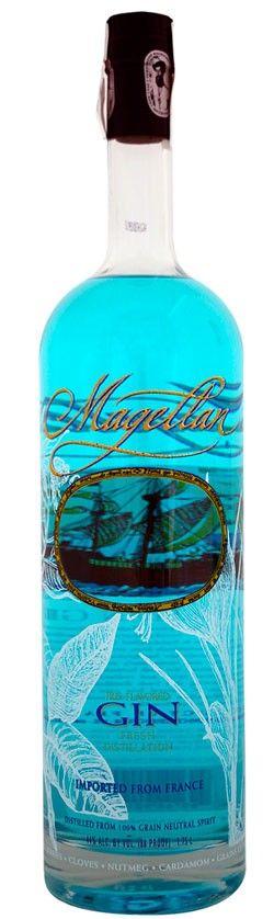 Gin Magellan por sólo 27,83 € en nuestra tienda En Copa de Balón: https://www.encopadebalon.com/es/ginebras-premium/736-gin-magellan Gin Magellan es una ginebra premium producida en Francia por Angeac Destillery. El nombre, es un homenaje a Fernando de Magallanes, que dio la vuelta al mundo en busca de la isla de las especias. Este gin se produce en Francia por Angeac Destillery, unas de las destilerías tradicionales que ahora ha modernizado sus productos para orientarlos al nuevo consumi