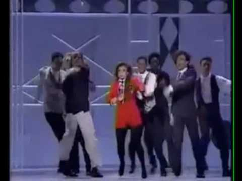 Paula Abdul vs. Janet Jackson (1990 Music Awards)