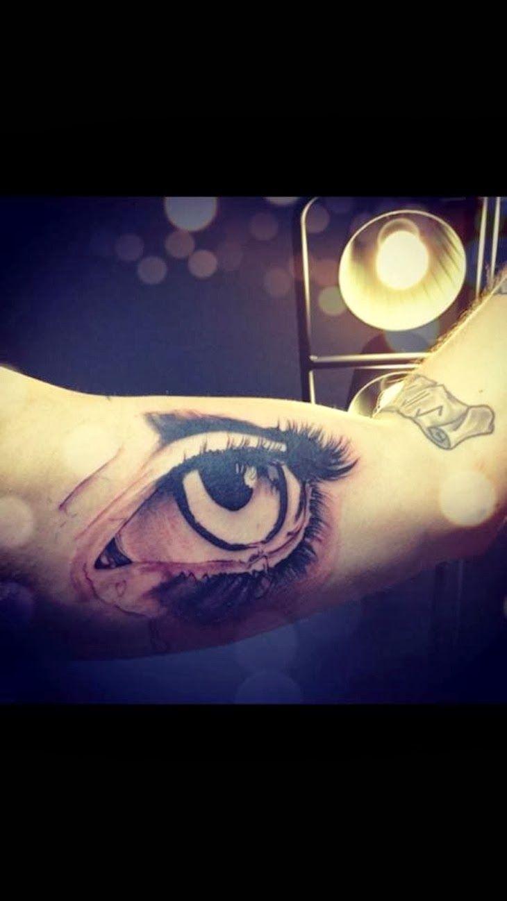 "#tatoo #art THE FASHIONAMY by Amanda: Kola Payer la tatuatrice , il suo mondo tra arte e moda, make up visti dal suo studio tattoo a #Milano, ""The Right..."