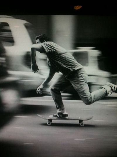 I just want to take skateboarding pictures so bad, but I have no skateboarding friends. Well, none of them would ever agree to it. Help me.