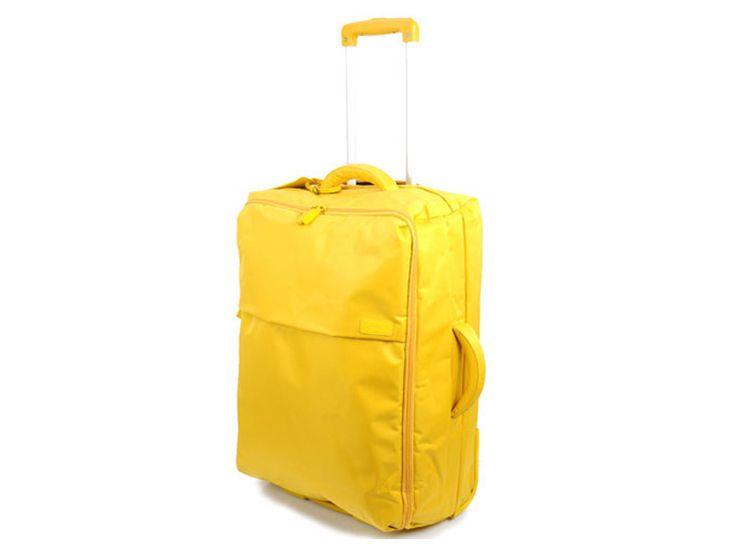 Valise: Novembre 2011 - Valise pliable, Lipault. DR / Suitcase: November 2011 - Foldable suitcase, Lipault. DR @plumevoyage     www.lipault.com / www.galerieslafayette.com #valise #suitcase #voyage #travel #plumevoyage #lipault #galerieslafayette
