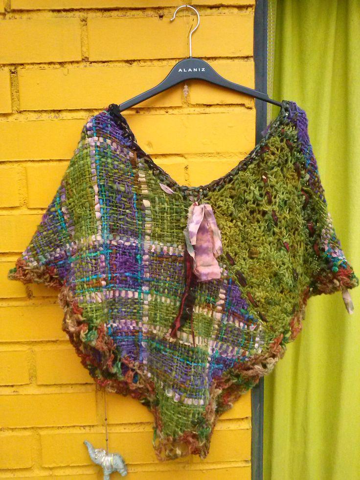 Poncho lana natural y telas
