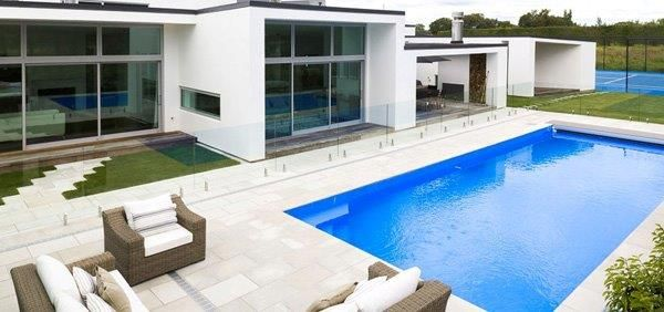 NZ Glass is installing stylish Swimming Pool Fencing over 13 years in New Zealand.