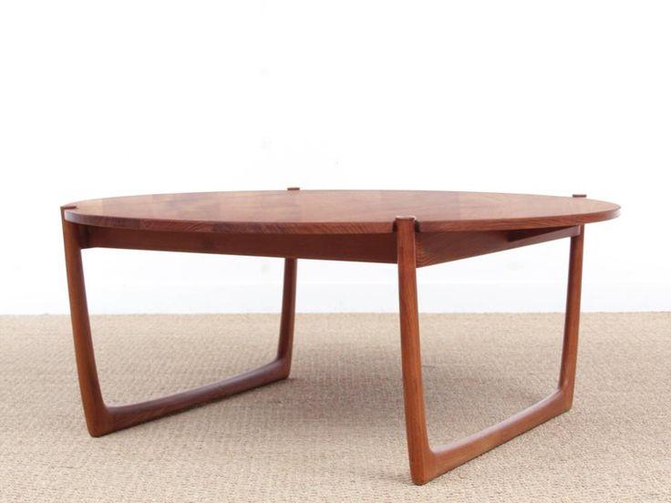 Mid-Century Modern Scandinavian Coffee Table in Solid Teak by Peter Hvidt 2