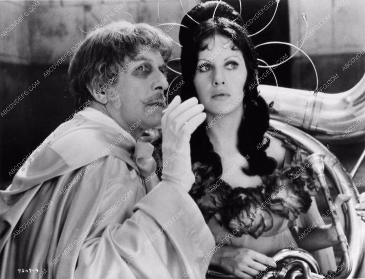 photo Vicent Price Dr. Phibes Rises Again 1808-22