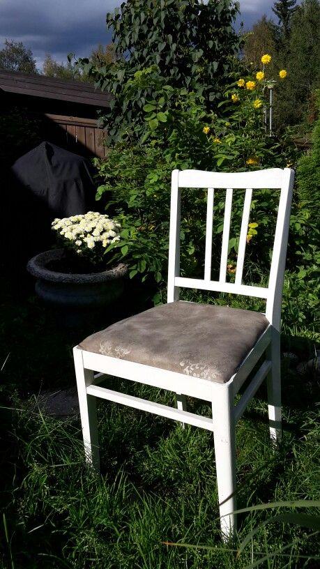 Pelastettu mummolan tuoli kesämökiltä