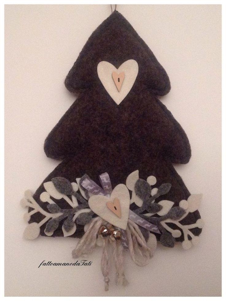 Albero in lana cotta nero con cuori bianchi, by fattoamanodaTati, 26,00 € su misshobby.com
