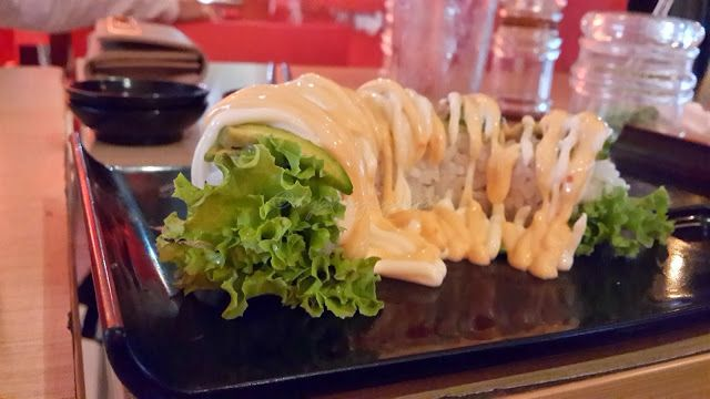 green spider roll @ sushi miya8i depok, indonesia. more on my blog http://dyahayupuspi.blogspot.com