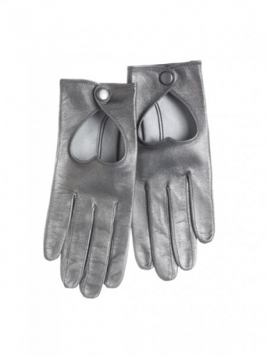 Heart driving gloves in metallic grey by Minna Parikka <3