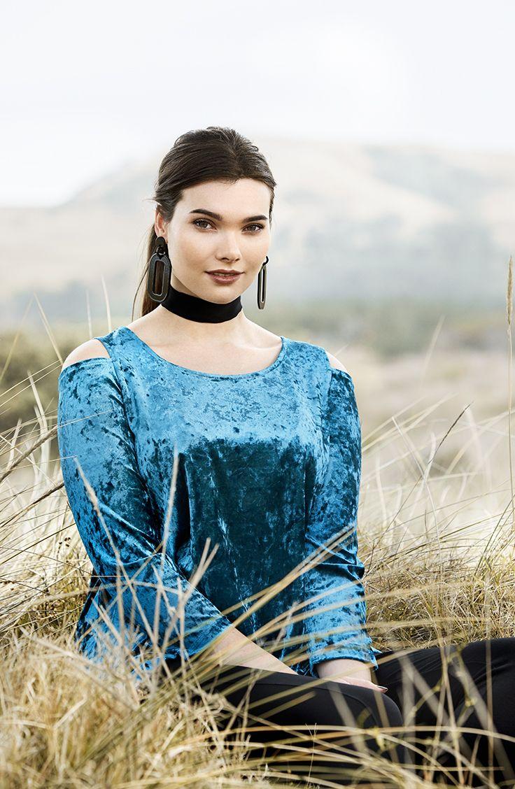 K+K - plus sized clothing for the curvy woman sizes 10-26. Cold Shoulder Trend. Off the Shoulder Top. Velvet crush. Blue Velvet. Velvet Top.