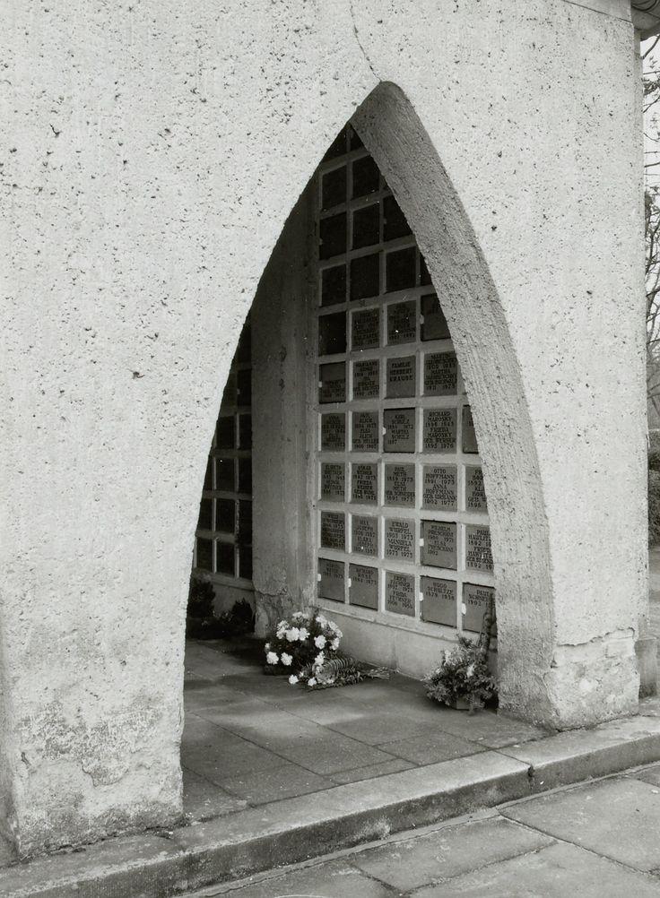 Forst Lausitz, Detail vom Krematorium, Kolumbarium, Architekt Dr. Rudolf Kühn, Aufnahme um 1991