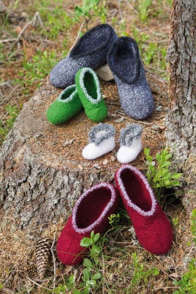 Gode, varme tøfler er noe alle setter pris på. Pefekte som gaver til frysepinne, greie å ha på hytta eller stående klar til gjester i en kurv i gangen. Her får du oppskrift på to uliker varianter til både barn og voksne.