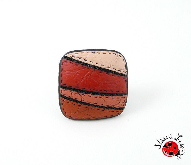 Bague carrée rouge et noire imitation cuir : Bague par ideesalise