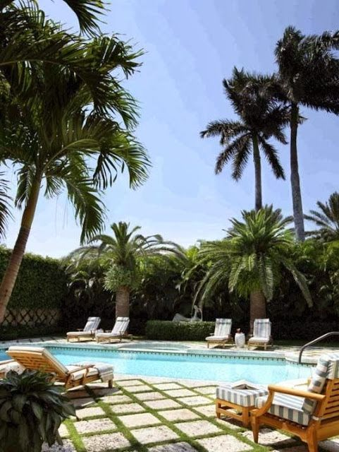 Grassy squares and palm trees palm beach chic backyards the glam pad summer home inspiration - Palm beach swimming pool ...