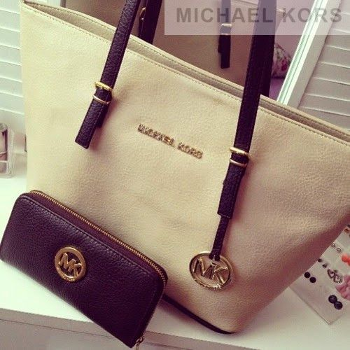 Smartly Business Casual bags for Women #GameDay #MichaelKors #michael #kors #purses #Michael #Kors #purses