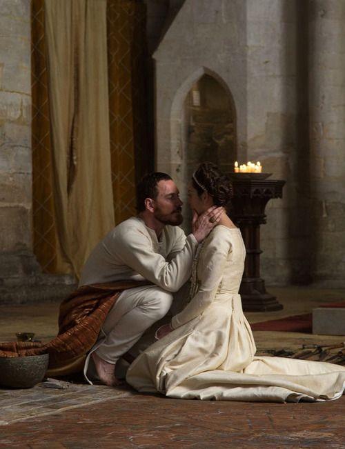 Michael Fassbender as Macbeth and Marion Cotillard as Lady Macbeth in Macbeth (2015).