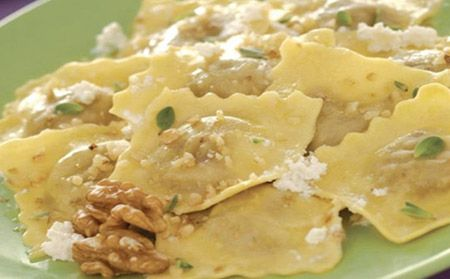 Spinaci e Ricotta Ravioli with Ricotta & Walnuts | Giovanni Rana #pasta #GiovanniRana #quick #fresh #recipe