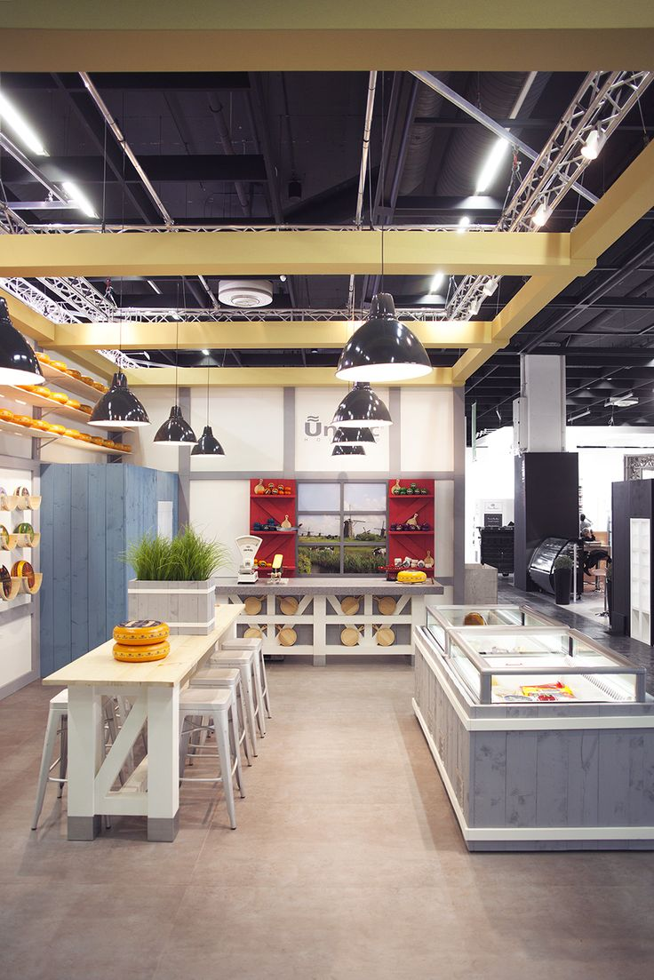 ©studiomfd, counter, cheese store, cheese stand, communal table, farm, Dutch (www.studiomfd.com)