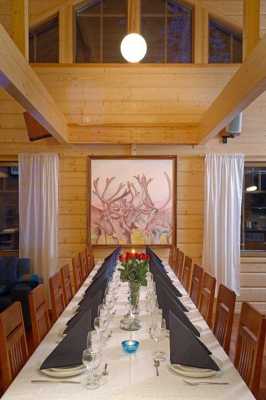 Lapponia House 320 'Levi President' hirsitalo on terve hengittävä koti. Lämpöhirsi tai lamellihirsi. Osatoimituksena tai muuttovalmiina.