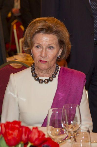 La reine Sonja de Norvège font étape à Milan