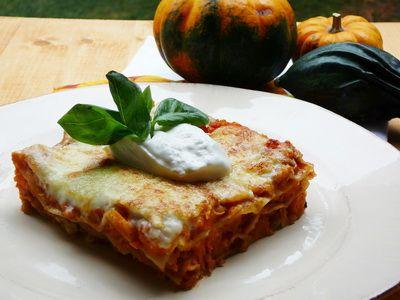 Sütőtökös vöröslencsés lasagne