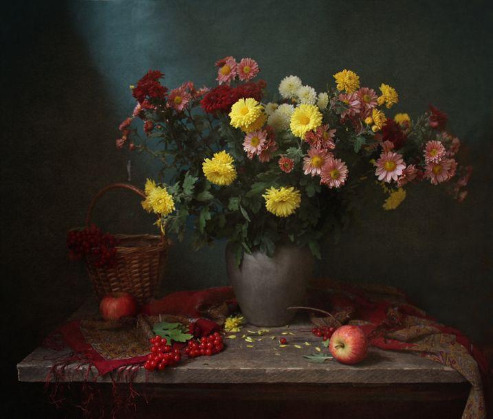 #still #life #photography • photo: Натюрморт с цветами | photographer: Марина Филатова | WWW.PHOTODOM.COM