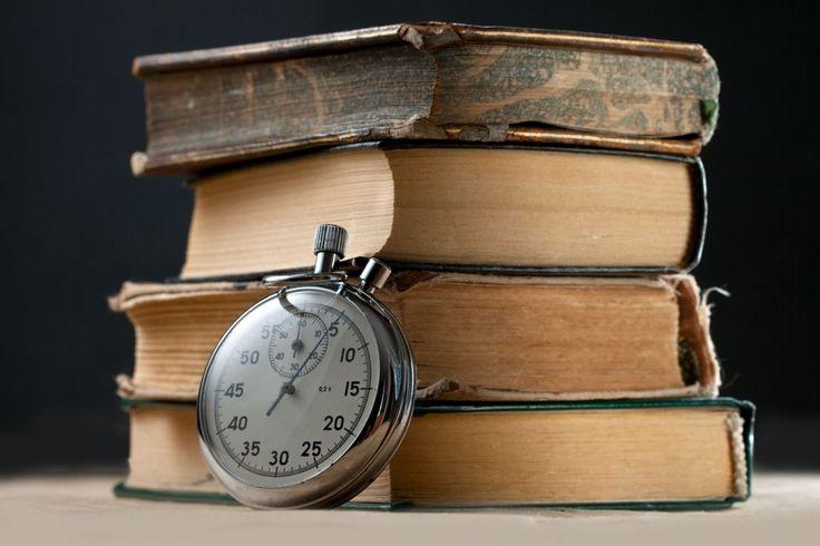 #Мотивация #Чтение #Успех — Читай, — сказал он мне. — Зачем? — Затем, что ничему не научишься, если нет у тебя терпения читать. Телик этого не дает. Он крадет у тебя ум.  © Маркус Зусак. Братья Волф