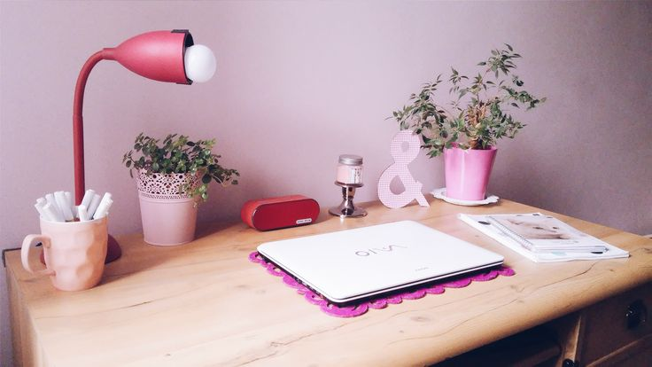 How to make studying less horrible? Desk organization and decor! #desk #studying…