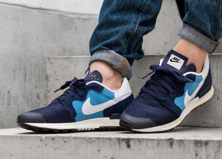 Nike Air Berwuda: Blitz Blue