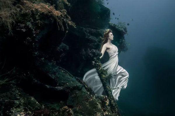 25 metros debajo del agua