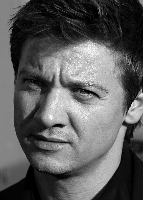 """Pssst! Looks like you already pinned this to Jeremy Renner."" LOL Don't care still pinning it again"