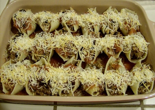 Enchilada Stuffed Pasta Shells ~ Freezer Friendly! | 5DollarDinners.com
