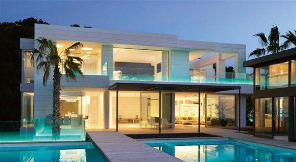 Maison contemporaine de luxe qui change de couleur | Villas ...