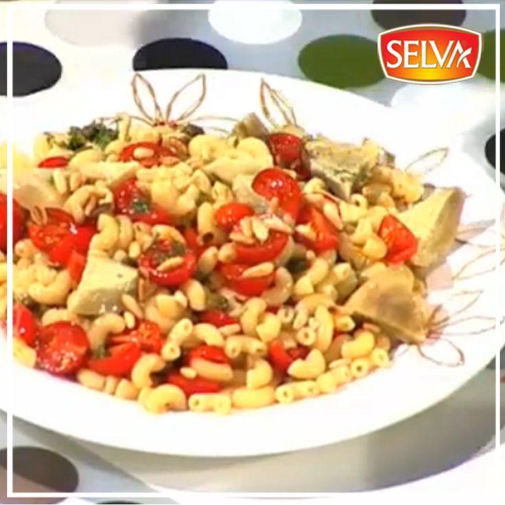 Yılların üstadı Ayşe Tüter ve Devletşah'tan leziz bir tarif: Enginarlı ve Mısırlı Makarna Salatası…