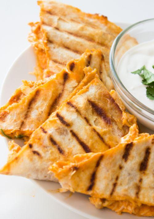 Allégé quesadillas au poulet Buffalo & hellip; Cliquez ici pour plus de nourriture photographie !.