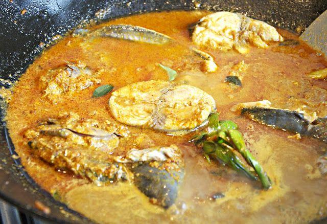 Gulai Tongkol Aceh ( Curried Tuna Aceh Style )