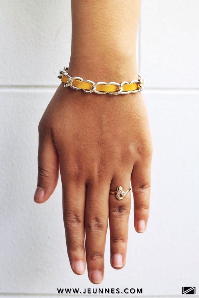 LADIES | CHAIN YELLOW BRACELET only 19k idr  Shop more: WWW.JEUNNES.COM